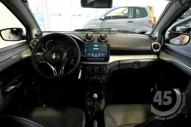 SUV Crossover nieuwcrossoverblauwsaffier